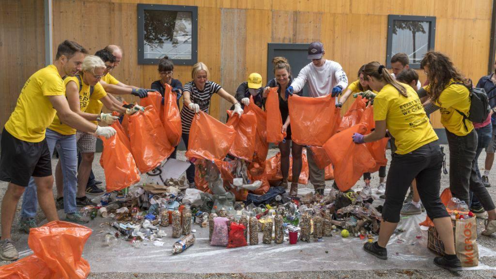 Cleanup Day: Tausend Freiwillige räumen in der Schweiz Abfall weg