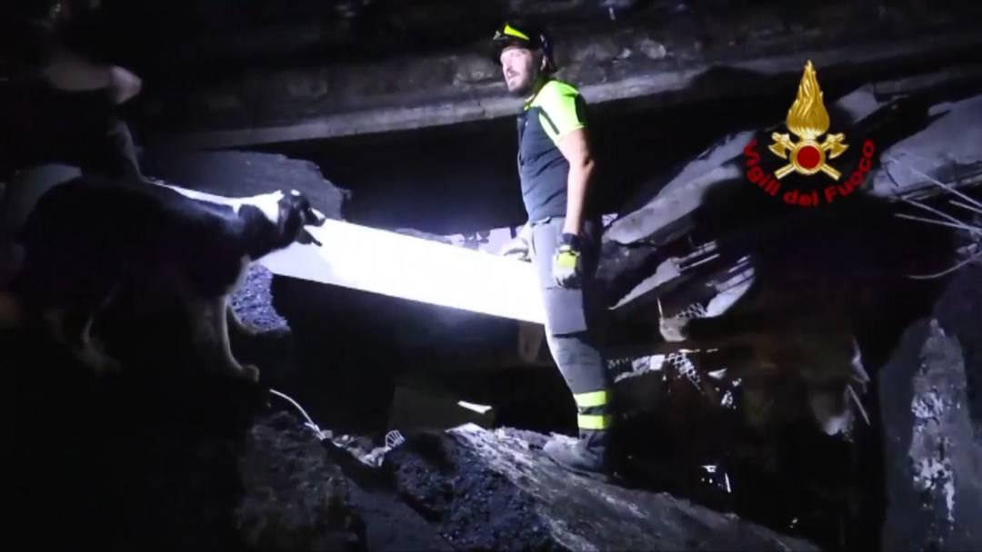 Brücken-Tragödie: Hier sucht die Feuerwehr nach Überlebenden
