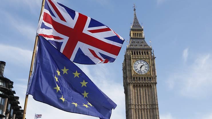 Grossbritannien wählt, was bedeutet: England, Schottland, Wales und Nordirland wählen.