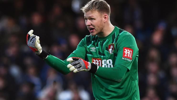Bournemouth's Goalie Aaron Ramsdale ist positiv auf das Coronavirus getestet worden