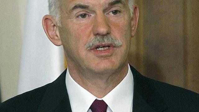 Giorgos Papandreou spricht zum Volk (Archiv)