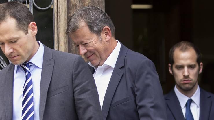 Der ehemalige Reeder Hans-Jürg Grunder (Mitte) wird wegen Betrugs zu fünf Jahren Haft verurteilt.