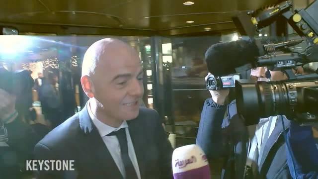 Gianni Infantino schlängelt sich zum nächsten Meeting