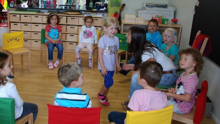 Im Kanton Zürich können Kindergärtnerinnen nach einem dreitägigen Kurs unterrichten. (Symbolbild)