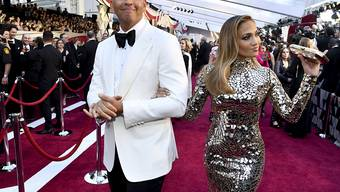 Jennifer Lopez hat ihren Alex Rodríguez erhört; das ist seit Anfang März bekannt. Jetzt gesteht er, dass er für seinen Kniefall zum Sonnenuntergang auf den Bahamas tagelang mit seiner Assistentin geübt hat. (Archivbild)