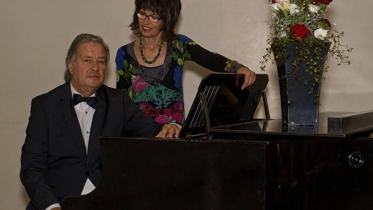 """Das Duo """"voci animati"""" Margrit Gittelson, Sopran und Peter Thalmann, Bass engagiert sich für das Schweizer Volkslied"""