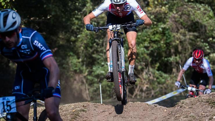 Lokalmatador Filippo Colombo glänzt in seinem Heimrennen - bis ihn ein platter Reifen weit zurückwirft