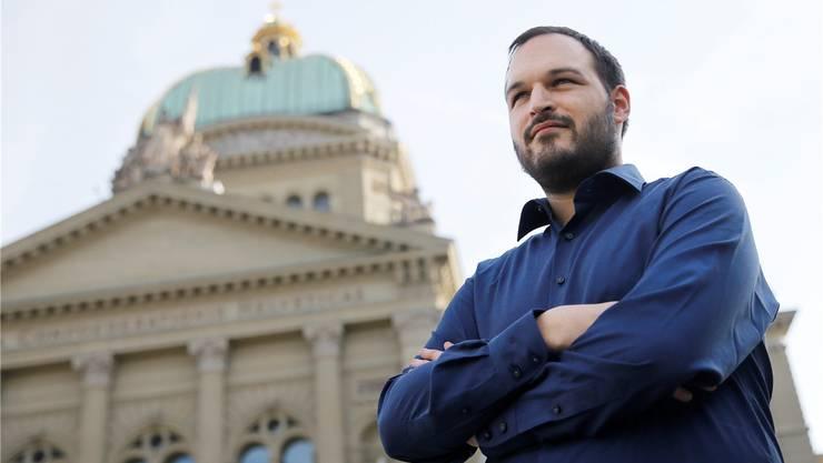 Bekämpft das neue Nachrichtendienstgesetz, das der Nationalrat ab heute diskutiert: Simon Gantenbein, Informatiker, von der Digitalen Gesellschaft.