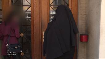 Am Freitag musste sich eine 27-Jährige wegen Hehlerei, Geldwäscherei und Förderung der Prostitution vor dem Aarauer Bezirksgericht verantworten.
