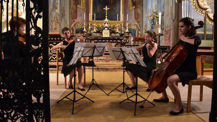 Das Quartett «Con Brio» brachte mit dem Stück «Four for Tango» von Astor Piazzolla einen Hauch Buenos Aires in die Klosterkirche Fahr.
