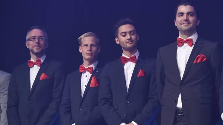 Die Männer von Rotweiss Wettingen auf der Bühne.
