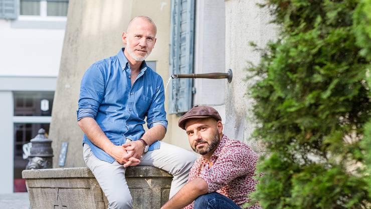 Walter Farsaci (l.) und Sandro Scarabelli vor dem Haus in der Kronengasse, wo sich während Jahrzehnten das chinesische Restaurant Chen Lay befand.