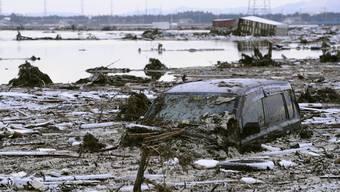 Japan ein Tag nach dem Erdbeben/Tsunami