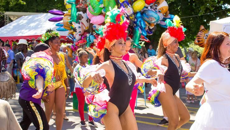 Vergangenen Mai in Rheinfelden: Kubanische Performerinnen unterhalten mit traditionellen Tänzen die Besucher des bunten Multikulti-Festivals.