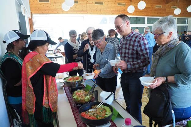 Ob Marrokanisch, aus Eritrea, Indonesien, Kroatien oder auch etwa Italien - die Matzendörfer kamen in Scharen und erfreuten sich mit Probiererli auf einer kulinarischen Reise durch die halbe Welt der Küchen dieser Erde.