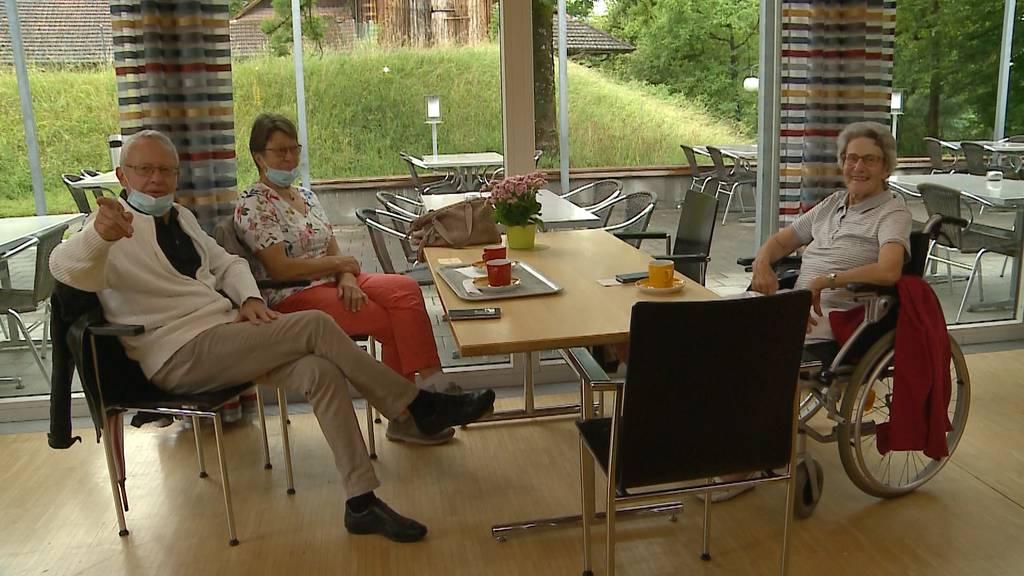 Zimmerbesuch in Pflegeheimen und Spitälern wieder möglich