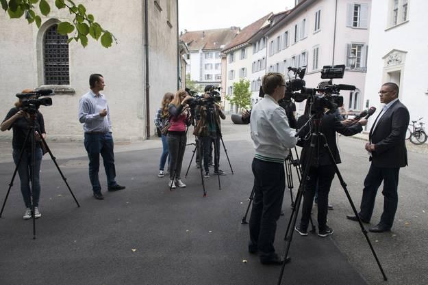 Viele Journalisten erhoffen sich in Baden Informationen