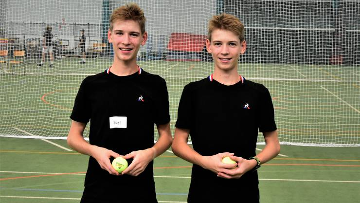 Joel (links) und Cyril Kunz werden am Laver Cup Roger Federer und den anderen Stars Handtücher reichen und Bälle zuspielen.