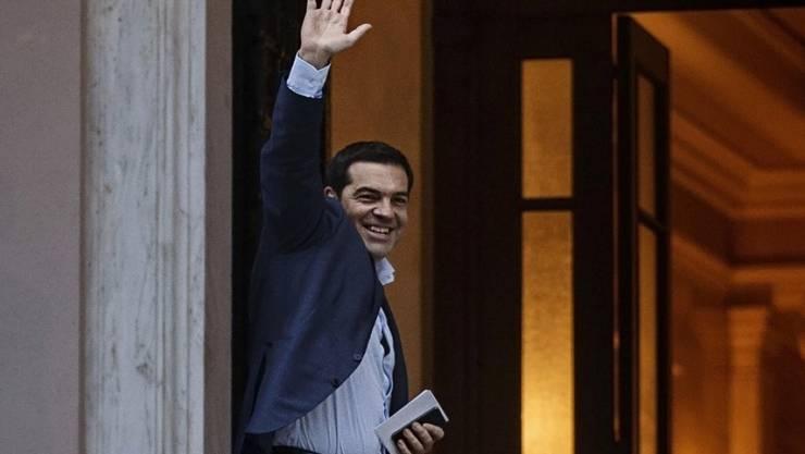 Alexis Tsipras am Freitagabend auf dem Weg zur Kabinettssitzung.