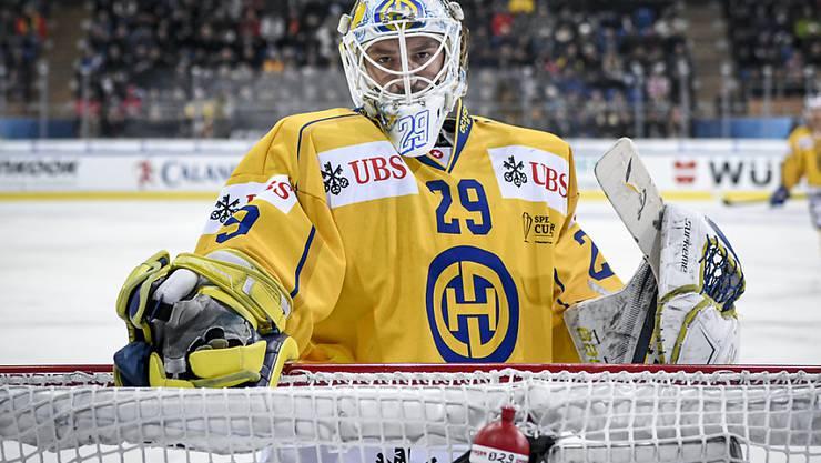 Auch Goalie Sandro Aeschlimann konnte das frühe Spengler-Cup-Ausscheiden des HC Davos nicht verhindern