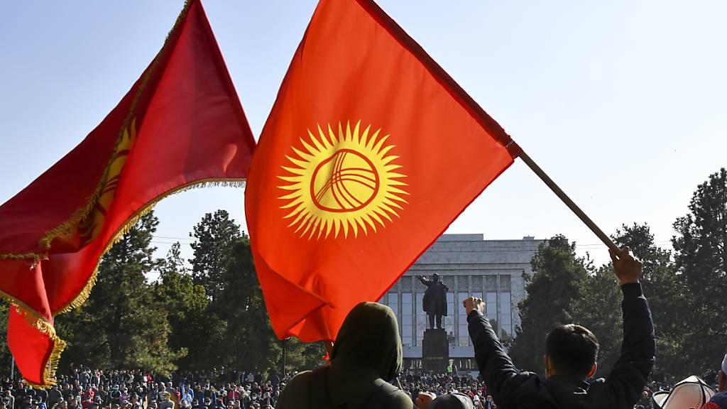 Präsident von Kirgistan tritt zurück