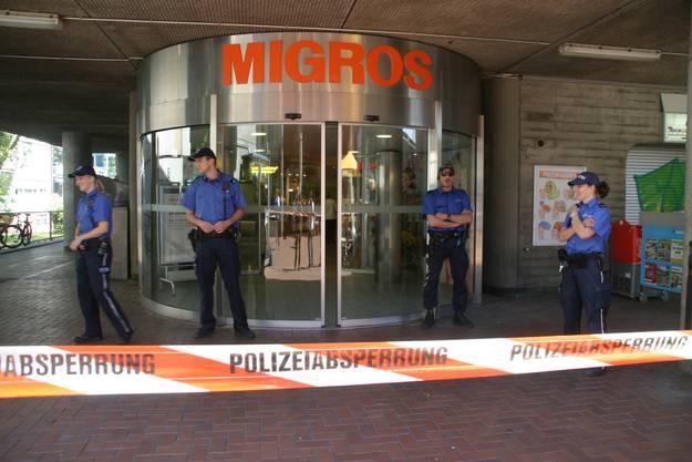 Die Migros-Filiale wurde abgesperrt