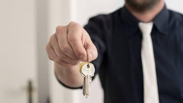 Der Mietzins und das Einkommen der Bewohner von städtischen Wohnungen sollen während der gesamten Mietdauer in einem angemessenen Verhältnis stehen. (Symbolbild)