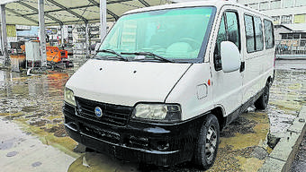 Der Fiat steht aktuell beim Bauamt Lenzburg. Bild: uhg