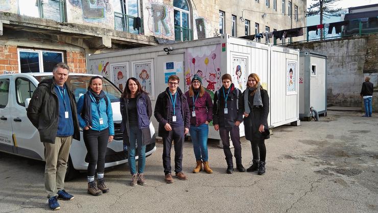 DasTeam vor Ort (v.l.): Stefan Dietrich, Anna Wolf, eine IOM-Mitarbeiterin, Sandro Covo, Gianna Strebel, Florin Schütz, Leandra Columberg.