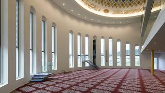 Blick in den Gebetsraum des neuen islamischen Begegnungszentrums in Wil. Die Moschee wird kommendes Wochenende eröffnet.