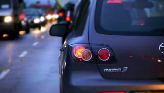 Wer über 75 jährig ist und noch Autofahren möchte, muss sich alle zwei Jahre einer verkehrsmedizinischen Kontrolluntersuchung unterziehen