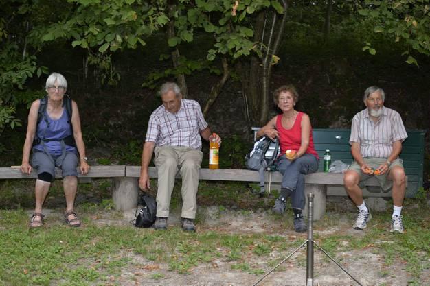 Abendwanderung von Messen durch den Bucheggberger Wald zum Forsthaus Messen und zurück mit 32 Teilnehmern 27