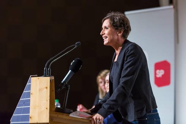 Pascale Bruderer verkündet ihren Rücktritt am SP Parteitag in Spreitenbach SP Parteitag in Spreitenbach