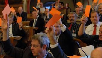 Anders als gewöhnliche Bürger sollen Kantonsräte und Regierungsräte vor Strafverfolgungen und Steuerverfahren geschützt werden, findet die SVP.  om