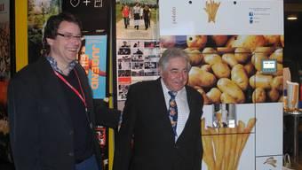 Bauer Ueli Maurer mit seinem Pommes-Frites-Automaten zu Gast im Solothurner Kino Canva