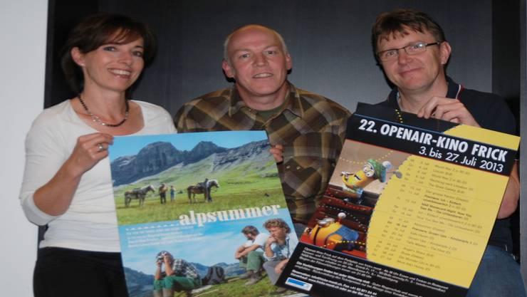 Martina Welti, Thomas Horat (Regisseur von «Alpsummer») und Philipp Weiss laden zu spannenden Filmabenden unter freiem Himmel ein. sh