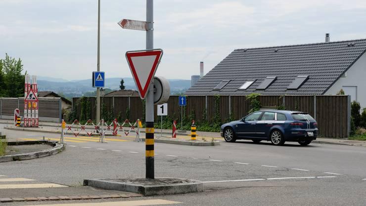 Hier an der Limmattalstrasse erhält Oetwil einen neuen Kreisel