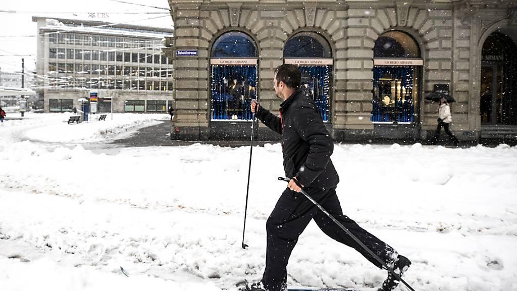 Langlauf an der Zürcher Bahnhofstrasse Mitte Januar. (Archivbild)