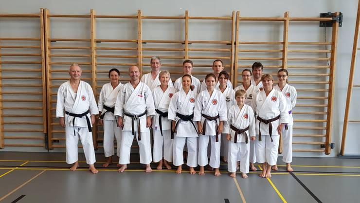 Teilnehmer des Spezialtrainings am Nachmittag mit dem Kata-Europameister Daniel Meichtry.