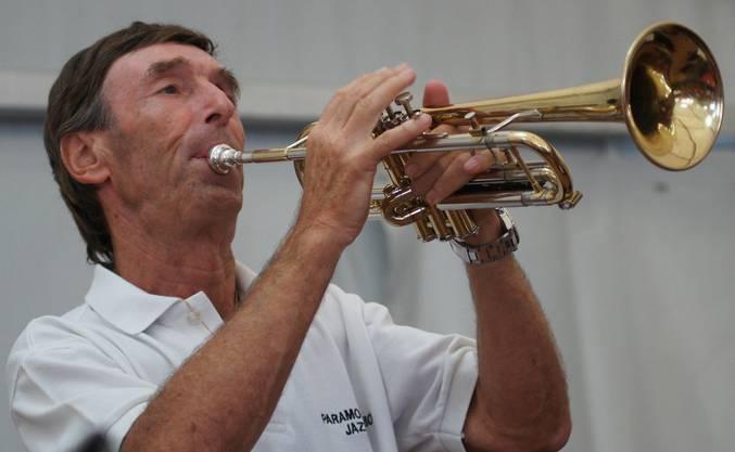 Trompeter Max Hegi von der Paramount Union Jazz-Band