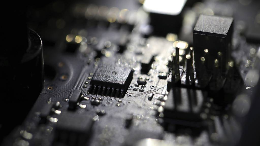 ARCHIV - US-Ermittler haben Russland offiziell als mutmaßlichen Urheber des jüngsten massiven Hackerangriffs auf amerikanische Behörden und Unternehmen bezeichnet. Foto: Jenny Kane/AP/dpa/Symbolbild