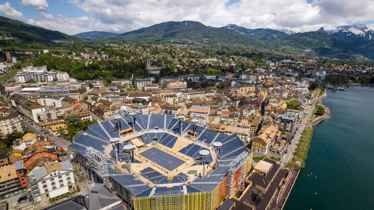 Am Rande der Weinberge und am Ufer des Genfersee. Die Arena der Fête des Vignerons in Vevey. Das Winzerfest findet nur alle 20 bis 25 Jahre statt.