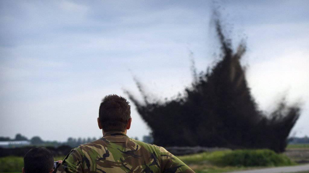 Immer wieder werden in Europa nicht explodierte Bomben aus dem Zweiten Weltkrieg entdeckt und unschädlich gemacht. (Symbolbild)