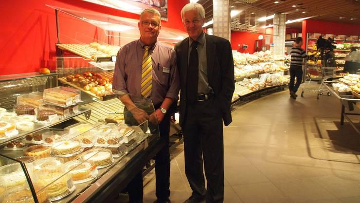 Marcel Hostettler (links), Migros-Leiter im Paradies, und Peter Röthlisberger, Geschäftsleiter des Centers und Chef der Bauarbeiten, in einem neu gestalteten Teil des Ladens.  tgf