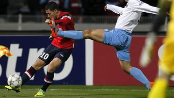 Lille's  Eden Hazard beim Flankenball.