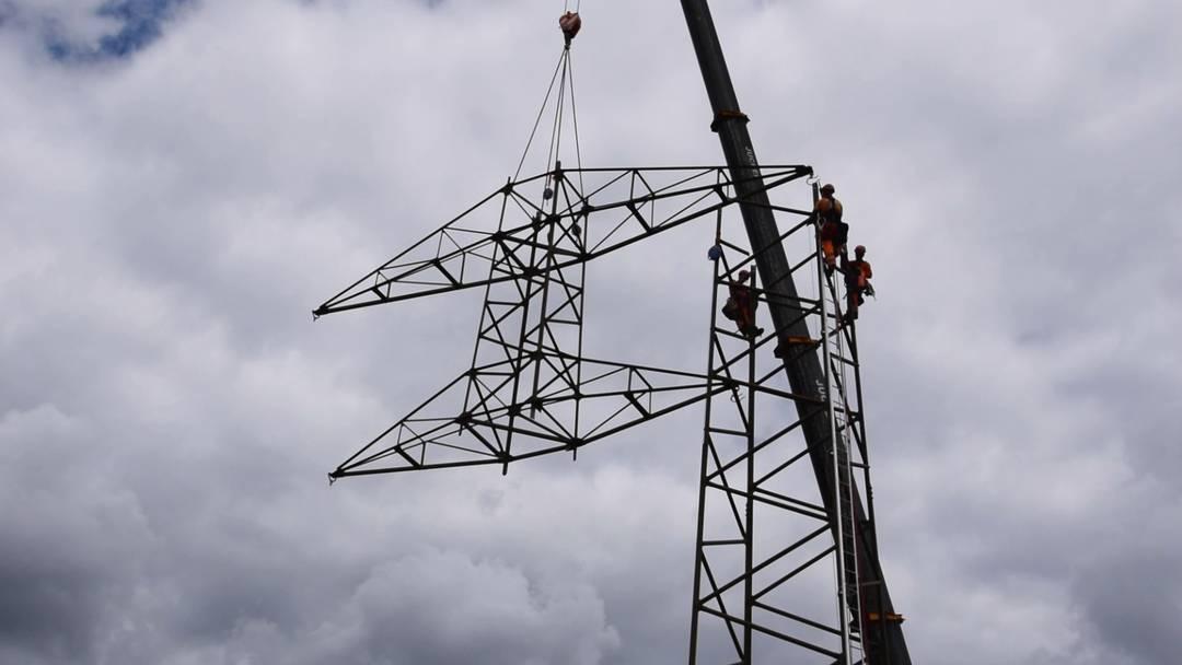 Erdverkabelung Riniken: Hier fliegen die Strommasten davon