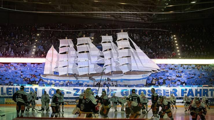 Die Fans möchten wieder Choreografien zeigen. Wie hier die EVZ-Fans gegen Lugano.
