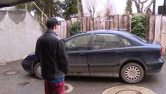 Auf dem Parkplatz des Menzikers Raphael Brunner stand ein Citroën, der nicht ihm gehörte.