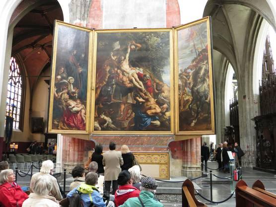 Bilder, die sich nur die Könige und Kaiser oder sagen wir Adlige leisten konnten. Und heute haben wir dies Bilder in Kirchen.