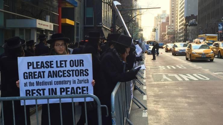 In New York protestieren Juden gegen Ausbaupläne des Zürcher Kunsthauses. (Bild Roman Elsener)
